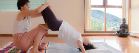 Thai Massagem tem alongamentos profundos e promove desbloqueio físico e emocional