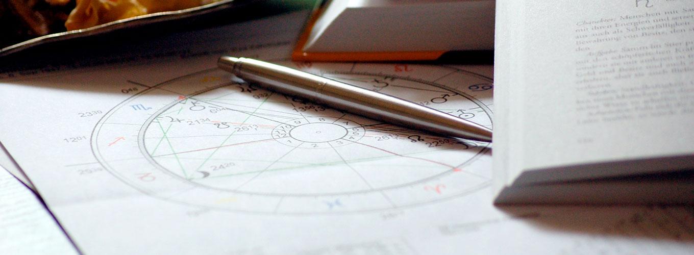 guia-da-alma-astrologia-alquimica-maira-antunes-mapa-astral-signos-