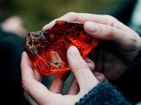 sol em capricórnio e a pedra filosofal