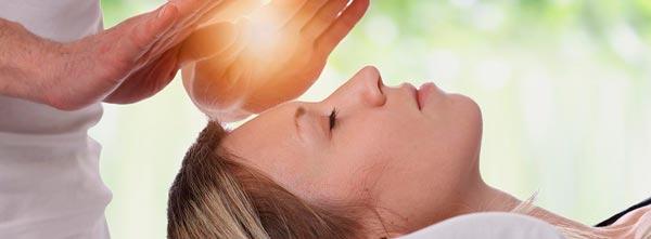 guia-da-alma-guia-terapias-holisticas-qual-terapia-devo-fazer-reiki