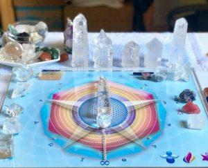 guia-da-alma-terapeuta-perfil-regia-prado-curso-online-mesa-rede-cristalina-mesa-quantica-radionica