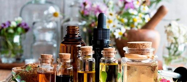 frascos de terapia floral e aromaterapia