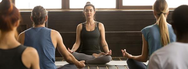 cena de meditação em empresa - como atuar terapeuta empresas