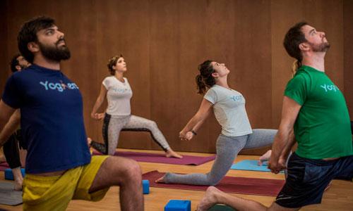 aula prática de Yoga na Google