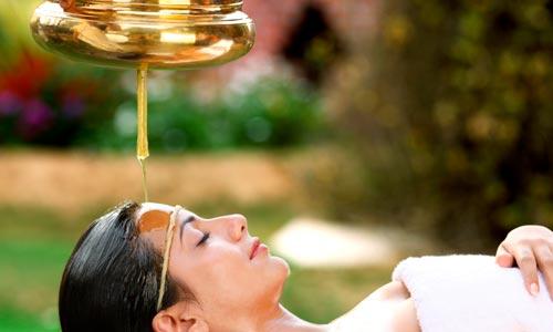 sessão Shirodhara: terapia para estresse: tratamento natural